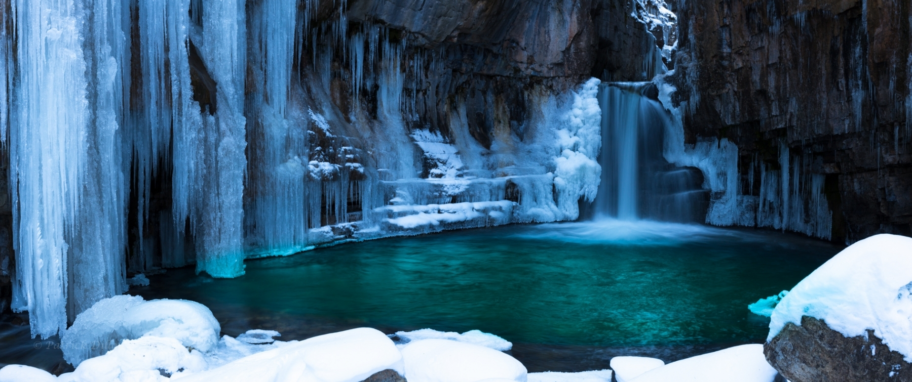 Fresh-ice-cold-falls-pano-